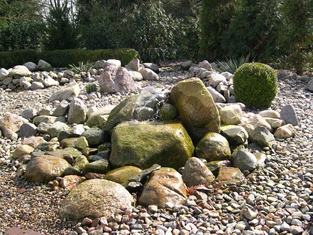 Steingarten Mit Wasserspiel – Performal – actof.info